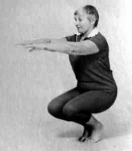 Bonnie Prudden doing deep knee bends