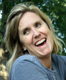 Laughing.6.kayla-farmer-Wh4CGblGImg-unsplash.com